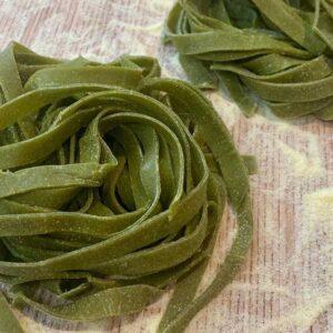 Tagliatelle con sfoglia di spinaci freschi